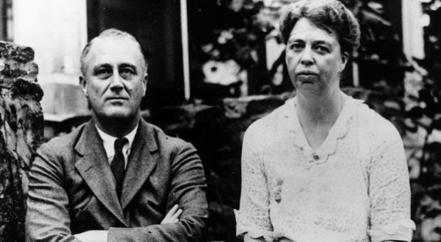 Democratic politician and the 32nd President of the United States Franklin Delano Roosevelt (1882 - 1945) with his wife, the noted humanitarian activist, Eleanor Roosevelt (1884 - 1962), circa 1935.
