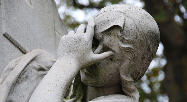 Statue, Montparnasse Cemetery